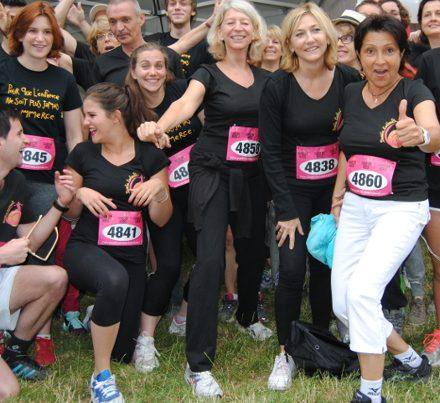 groupes de participants à la course des héros