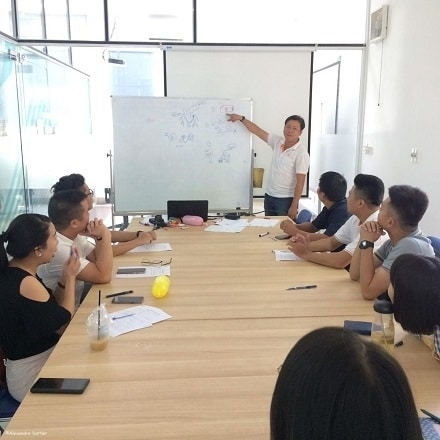 Training: The good gestures for protecting children in tourist areas of Vietnam