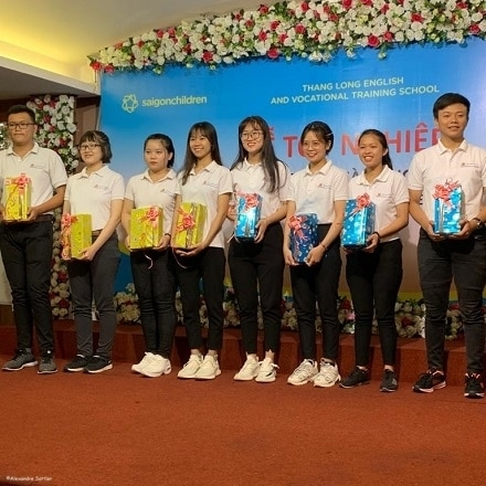 Vietnam: Congratulations to Phat, new graduate